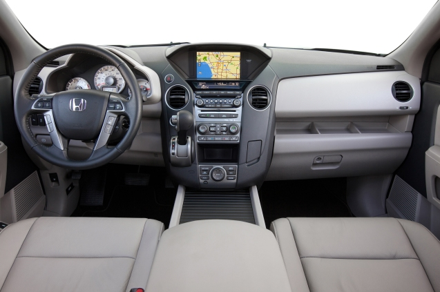 2015-Honda-Pilot-Touring-dash